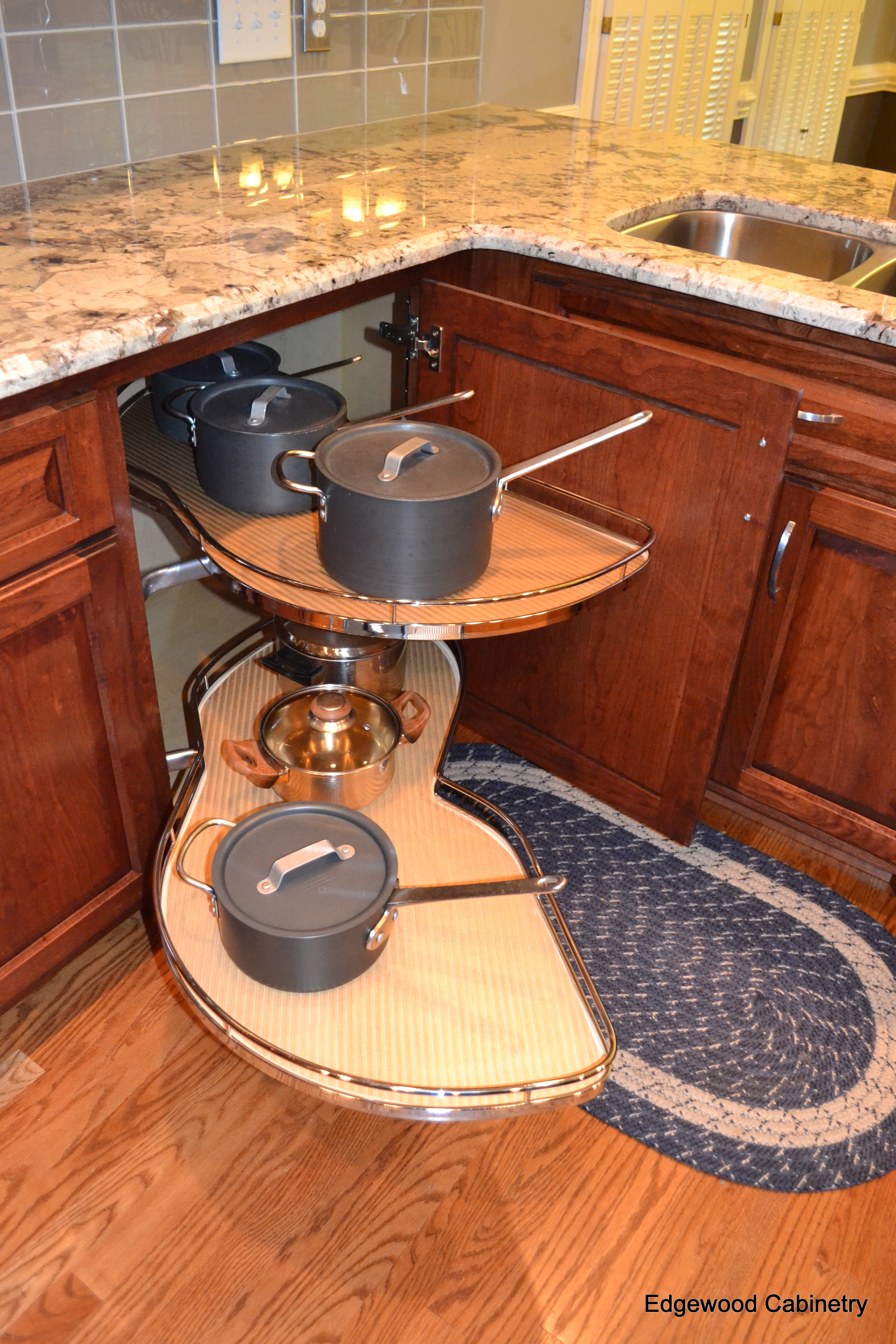 kitchen cabinet corner solutions corner cabinet solutions edgewood cabinetry 18389